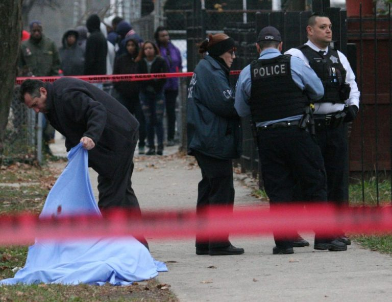 Christmas weekend sees deadly spike in Chicago shootings
