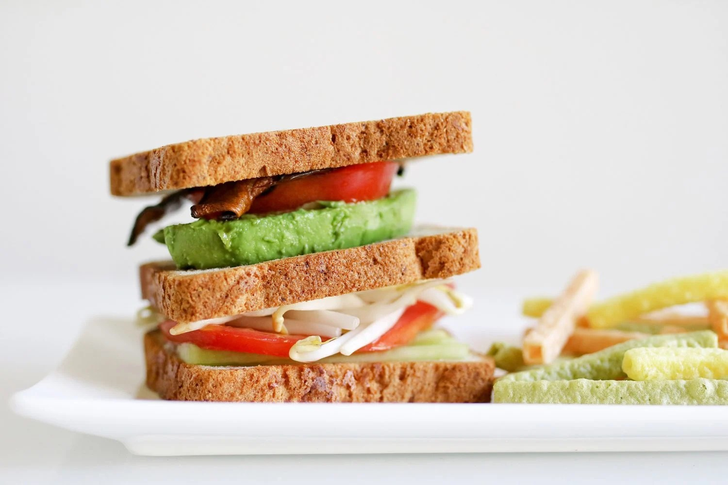 vegan sandwich, gluten free bread, gluten free sandwich, avocado sandwich, Udi's Gluten Free Bread, vegetarian sandwich, vegetarian lunch, vegan lunch, healthy kid foods, kid friendly snacks, kid friendly breakfast, easy breakfast ideas, easy snack ideas, mom blog, mom blogger, mom bloggers, mom blogs, family friendly dishes, recipes, recipe, food blog, food bloggers