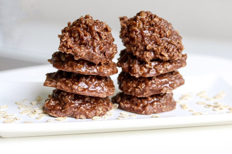 no bake cookies, ice cream sandwiches, recipe, recipes, summer treats, chocolate, peanut butter, oats, kid foods, mom blog, mom blogger, mom bloggers, mom blogs, family friendly dishes, recipes, recipe, food blog, food bloggers