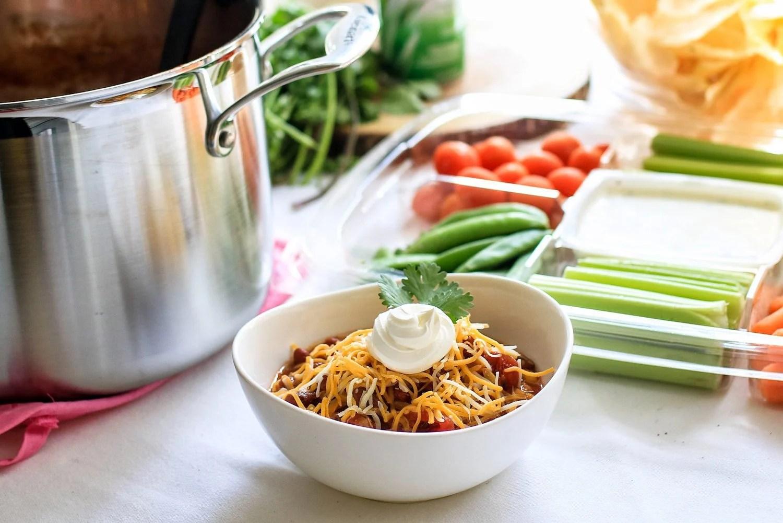 Easiest Vegetarian Chili, vegetarian chili, chili recipe, recipe, Super Bowl recipes, best vegetarian chili recipes, 2019, mom blog, mom blogger, mommy blog, mommy blogger, family blog, parenting blog, the super mom life, thesupermomlife, parenting blogger, family blogger, food blogger