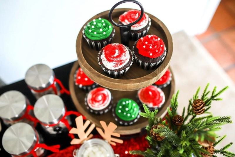 christmas table and cupcake rack