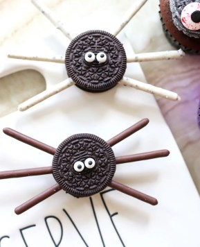 How to Make Easy Spider Cookie Treats for Halloween