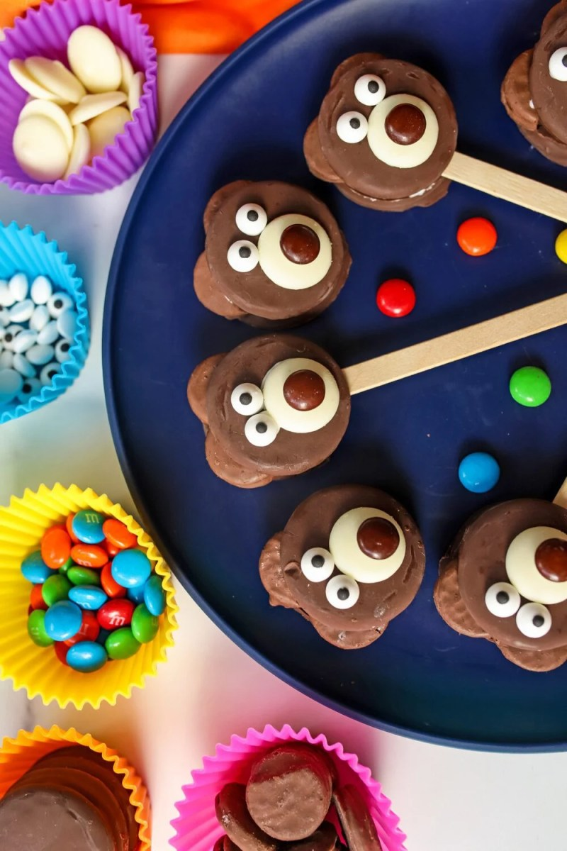 teddy bear cookies on a plate