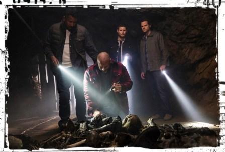 Dean Sam Jessy Cesar flashlights Supernatural The Chitters