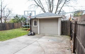1.5 car garage