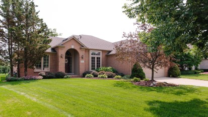 SOLD – 48820 Cross Creek, Macomb
