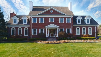 3660 Windy Knoll, Rochester