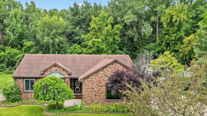 PENDING – 5536 Southlawn, Sterling Heights
