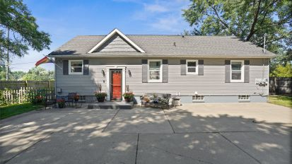 SOLD – 570 Curzon, Rochester Hills