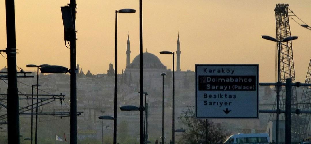 La rose et la tulipe, carnet de voyage à Istanbul 14 : sur les quais d'Eminönü, Yeni Camii, Sirkeci, Mısır Çarşısı