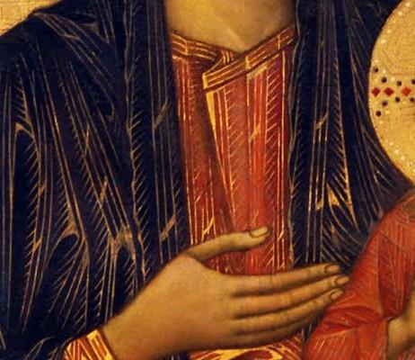 Détail de la robe et de la main