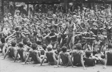 Cérémonie du Kecak en 1959 - Tropenmuseum