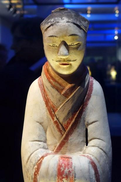 Splendeurs des Han - Musée Guimet - 02 - Statuette en terre