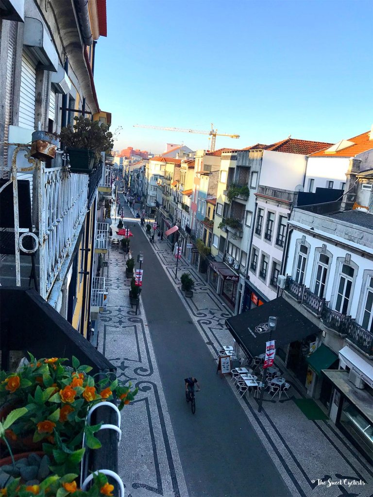Rua da Santa Catarina early in the morning