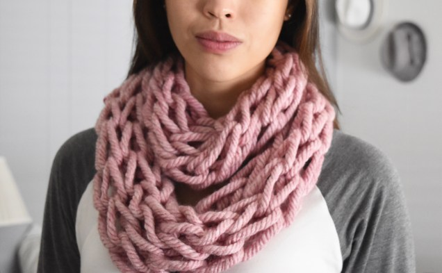 This currant color is beautiful. I plan to make one for myself!
