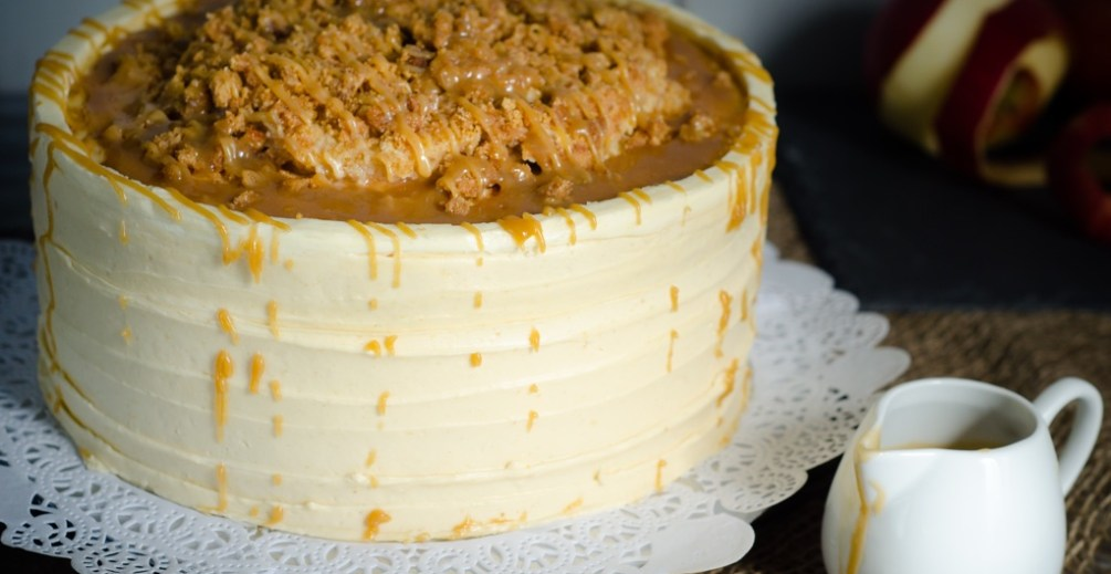 Salted Caramel Apple Streusel Cake The Sweet Edge