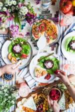 A CSA Inspired Farm to Table Dinner Party from entertaining blog @cydconverse | Click through for party recipes, entertaining tips, party ideas and more!