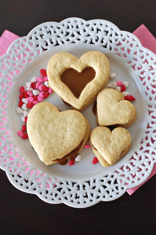 Alfajores rellenos de San Valentín
