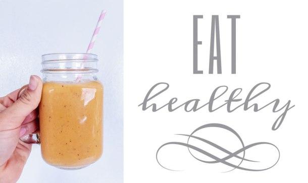 smoothie de papaya y zanahoria en un lado y la leyenda que dice eat healthy del otro