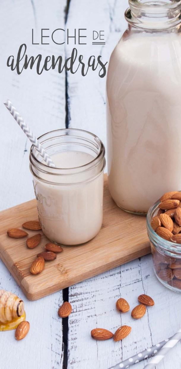Receta detallada y muy fácil para hacer tu propia Leche de Almendras en casa, con un sabor delicioso y con todos los beneficios y nutrientes que esta leche debe tener.
