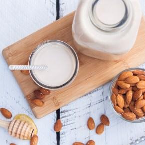 APRENDIENDO A… hacer leche de almendras en casa