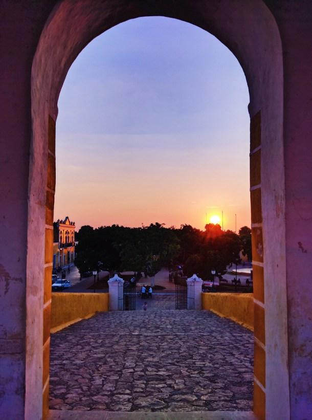 Atardecer desde el Convento de San Antonio de Padua, Izamal, Yucatán