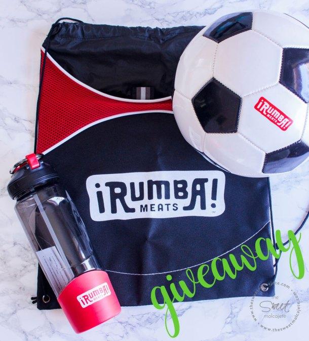 rumba meats giveaway - una botella deportiva para agua, una mochila negra con acentos rojos y un balón de fútbol soccer