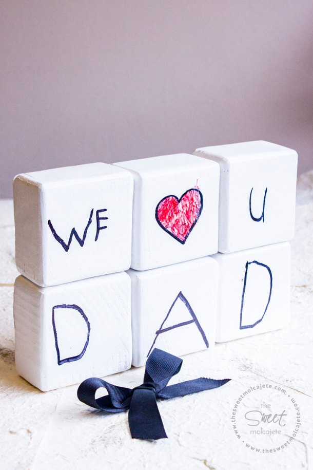 6 bloques de madera de color blanco que dicen we love u dad para regalo de dia del padre