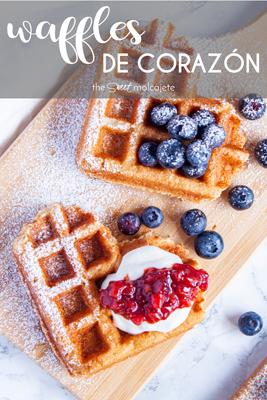 Estos deliciosos y esponjosos Waffles de Corazón son el detalle perfecto para sorprender a la(s) persona(s) que más quieres este San Valentín o en cualquier otra ocasión especial. La receta es fácil y te van a fascinar.