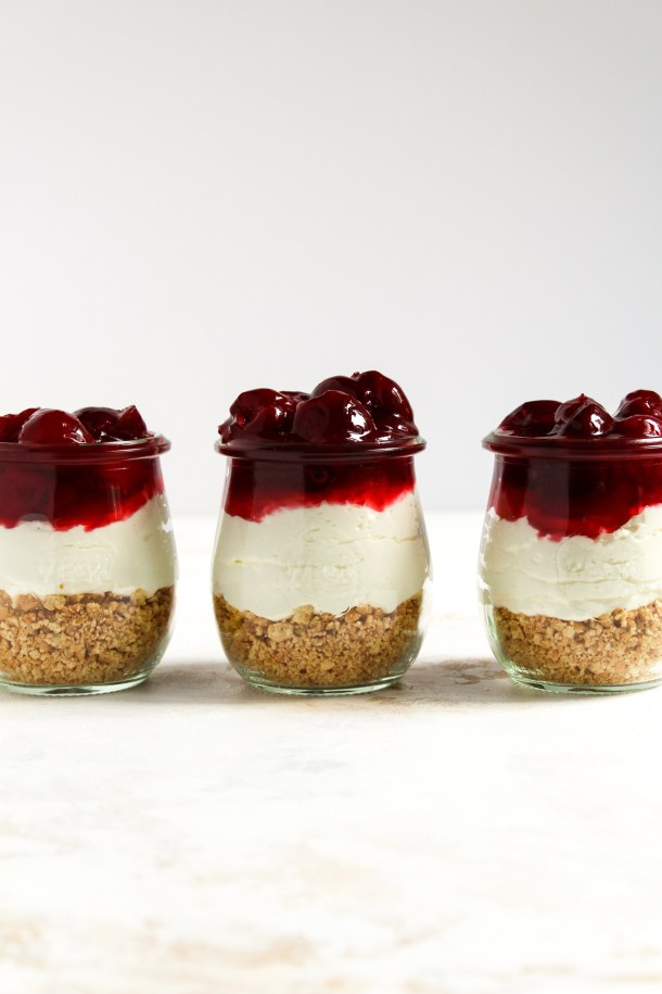 No bake cherry cheesecake parfaits-4