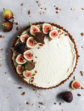 No-bake honey mascarpone fig tart overhead shot.