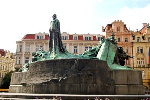 Jan Hus Statue