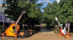 Guitars at the entrance to the Orpy