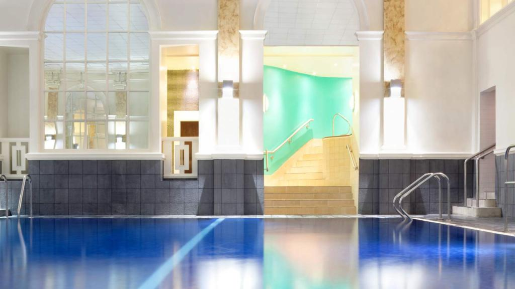 le_mridien_piccadilly_indoor_swimming_pool