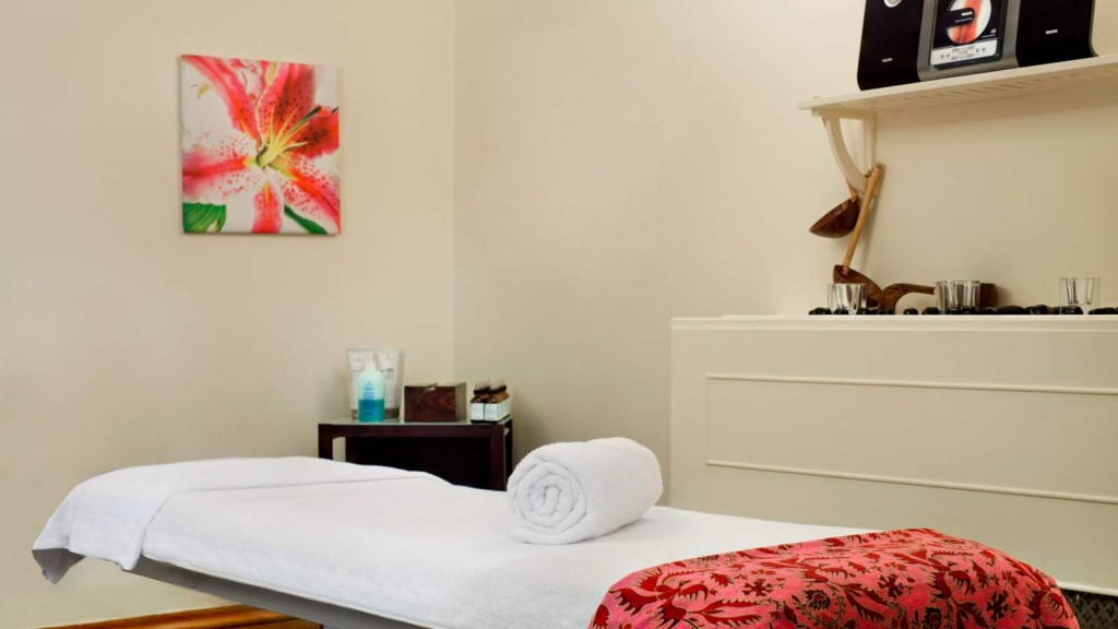 le_mridien_piccadilly_spa_treatment_room
