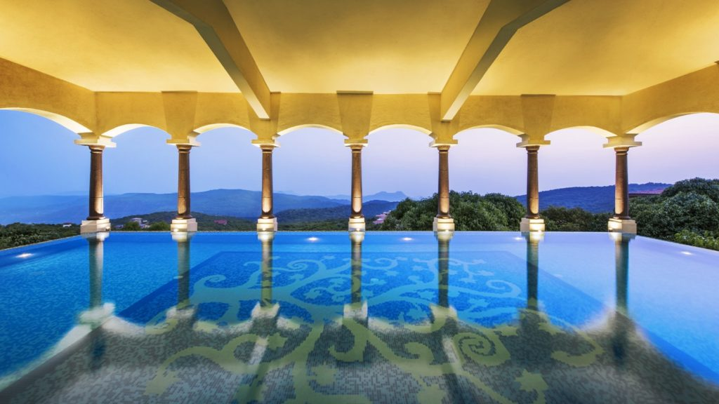Top 5 Luxury Resorts Near Mumbai For Weekend Getaways - Le Meridien