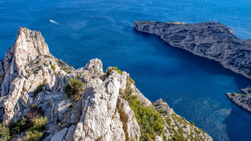 France-Itinerary-Calanques-National-Park
