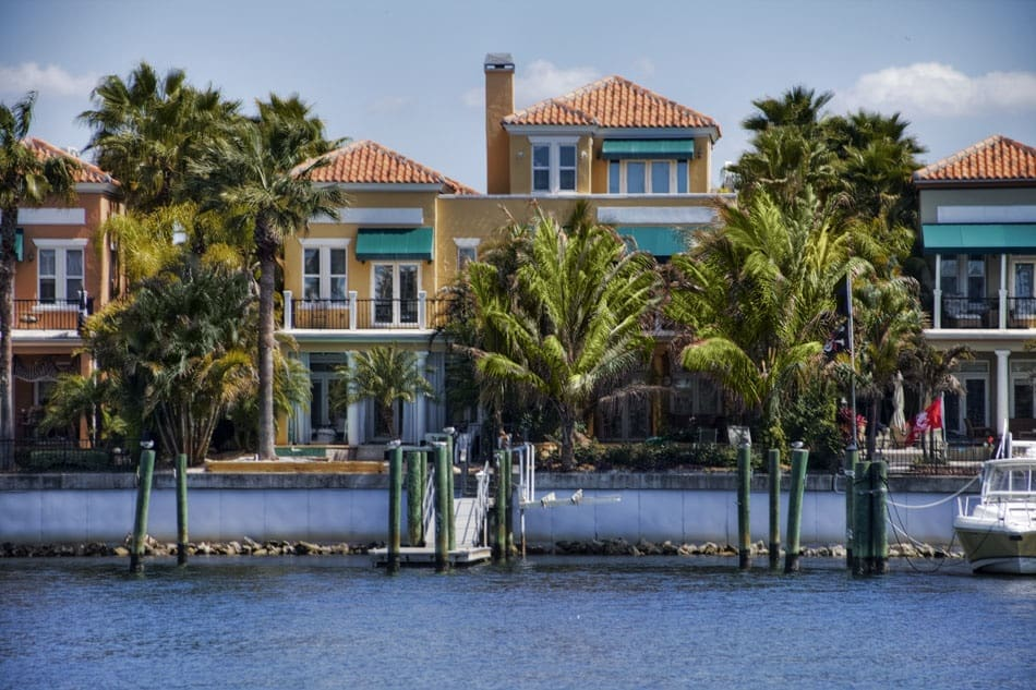Dana Shores   Waterfront Community in Tampa Close to The Tampa Airport