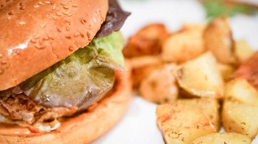 burger with potatoes