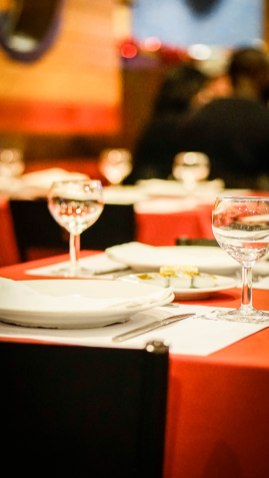 set table in the Pedra Alta restaurant