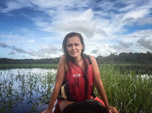 a pretty woman on a kayak / Kayaking in French Guiana