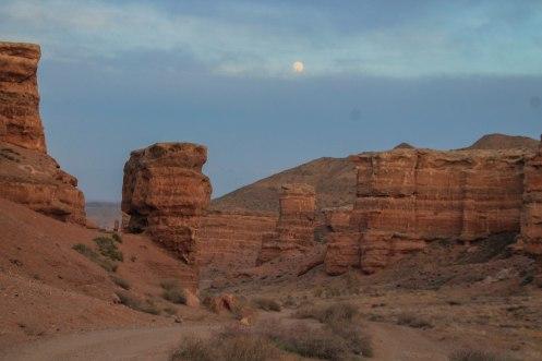 Desert mountains in Kazakhstan / Hitchhiking journey
