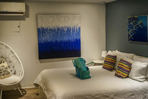 Doble bed at JFKey Home: Azul Apartment