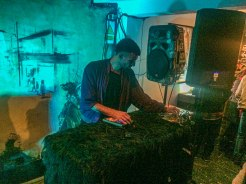 Dj playing a electronic music set in Quito