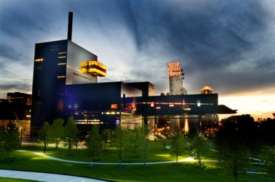 ARCHITECTURE BONER: The Guthrie Theater