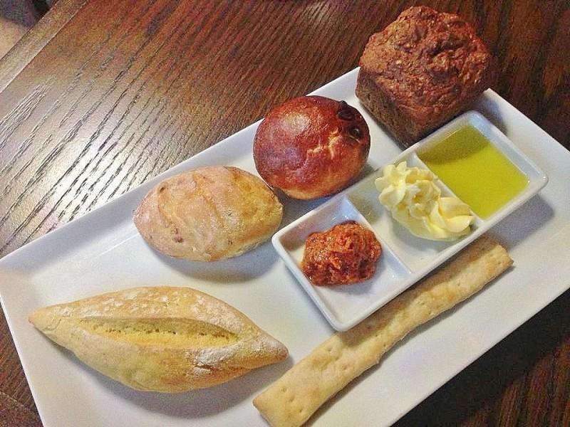 Delphi Resort Breads