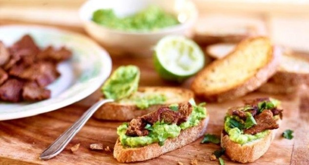 Crostini with Spiced Lamb and Avocado