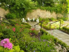 AridluanHotel Gardens