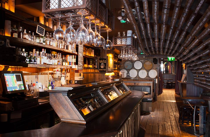 Enjoy Irish Whiskey for a Great Cause at this Upcoming Tasting in the Dingle Whiskey Bar