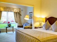 Keadeen Hotel Bedroom 1